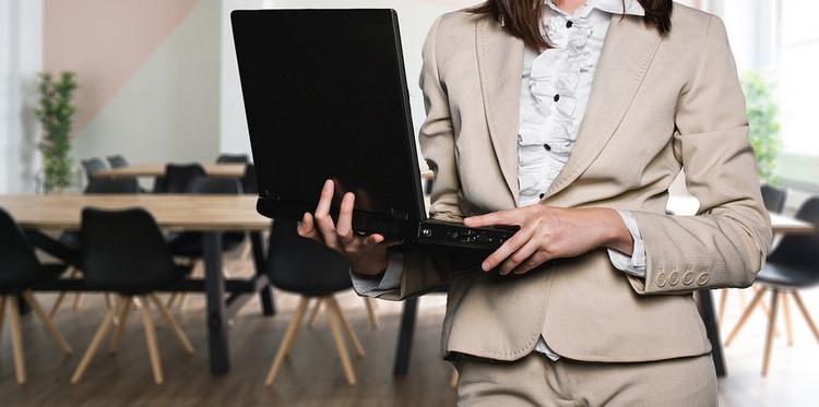 Examen de Correos 2018 - Parte específica Atención al cliente A - Con respuestas