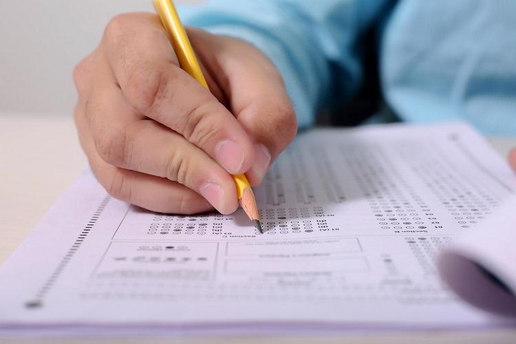 Examen de Correos 2019 - Parte común y específica Atención al cliente A - Con respuestas