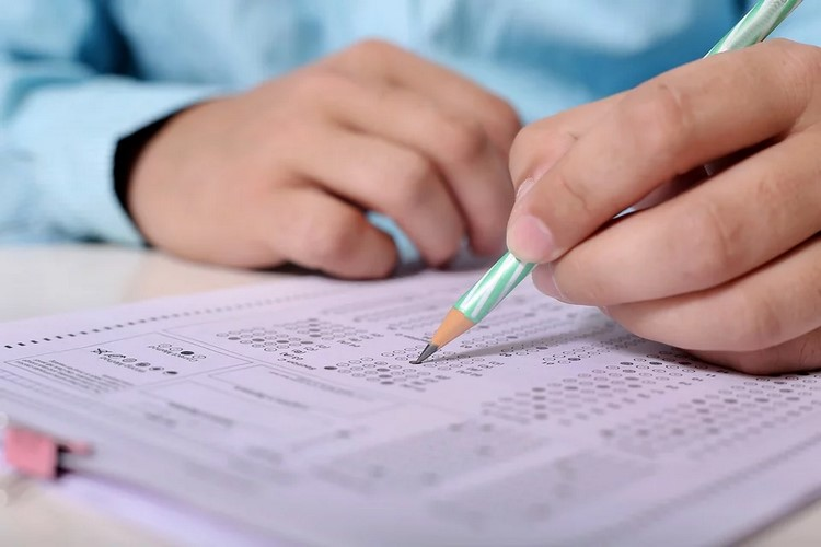 Examen de Correos 2019 - Parte común y específica Reparto y Agente de Clasificación B - Con respuestas
